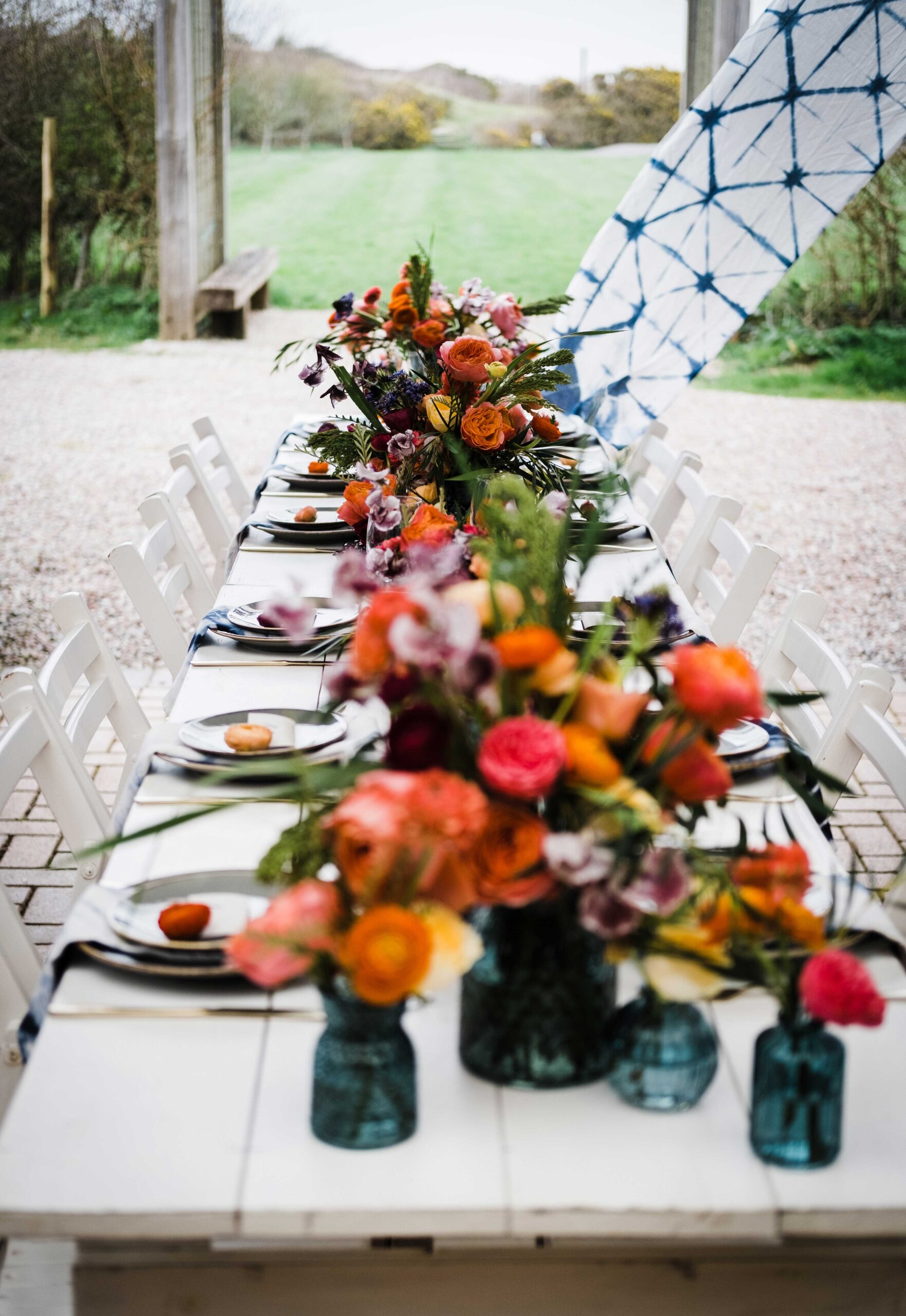 Outdoor wedding table setup